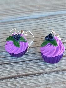 Ohrhänger Cupcake mit Heidelbeeren aus Fimo Ohrringe handmodelliert aus Polymer Clay - Handarbeit kaufen