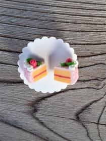 Ohrstecker Erdbeertorte Ohrringe aus Fimo witziger Ohrschmuck aus Polymer Clay handmodelliert - Handarbeit kaufen