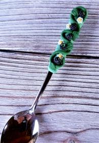 Löffel , Zuckerlöffel mit handmodellierten Brombeeren aus Polymer Clay verziert - Handarbeit kaufen