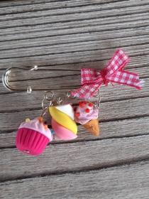 Brosche Kiltnadel  mit handmodellierte Süßigkeiten aus Fimo  Polymer Clay  - Handarbeit kaufen
