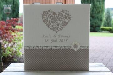 individualisierbares Hochzeitsfotoalbum, Hochzeitsgeschenk, personalisierbar, besticktes Leinen, Herz, Spitze