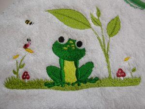 Babybadetuch 120 x 120 cm Frosch weiß/grün mit Namen Öko-Tex-Standart 100