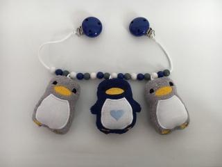 Kinderwagenkette mit süßen Pinguinen
