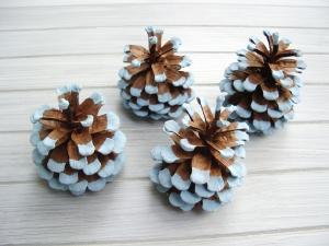 Kiefernzapfen, eisblau, handbemalt, Weihnachtsdeko, Weihnachten, Naturmaterial,