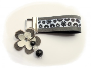 Leder Schlüsselband Graublüte