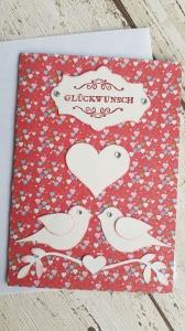 Valentinskarte mit zwei Tauben und lauter  Herzen im Hintergrund ♥♥♥♥♥