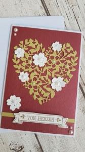 Blütentraum  - Von Herzen - Eine Herz-Blumenranke mit Perlen und edlem Perlmuttpapier