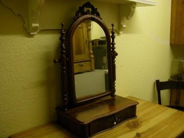Original Tischspiegel um 1880 aus der Gründerzeit, in Nussbaum. - Handarbeit kaufen