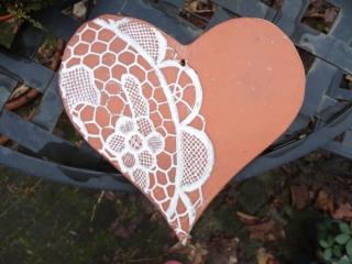 Herz, Keramikherz, mit Spitzenabdruck - Handarbeit kaufen
