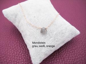 Mondstein-Kette, Mondstein Dreieck, grau, weiß, orange, 925 Silber, Gold Filled, Rosegold Filled, minimalistisch, Edelstein - Handarbeit kaufen