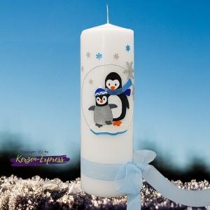 Taufkerze 250 / 80 für Junge Mädchen mit Namen und einem Pinguin im Schnee Winter *ohne Expressaufschlag*