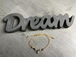 Macrame ♥ Armband ♥ Geschenk ♥ Muttertag ♥ Geburt ♥ Prüfung ♥ Unikat - Herzen - Perlen - gelb - Handarbeit kaufen