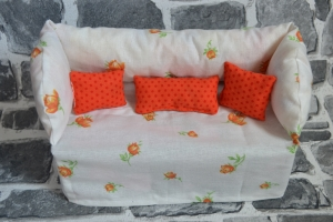 Deko-Sofa ,Kosmetikbox Sofa ,Taschentücherbox Sofa -  Rosen apricot - Handarbeit kaufen