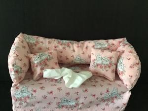 Deko-Sofa ,Kosmetikbox Sofa ,Taschentücherbox Sofa Geschenk  ♥️ Hase Häschen - Handarbeit kaufen