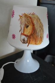 Nachttischlampe Kinderlampe  Lampe Baby -  Pferde rosa Blumen - Handarbeit kaufen