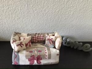 Deko-Sofa ,Kosmetikbox Sofa ,Taschentücherbox Sofa -  Landhaus rot - Handarbeit kaufen