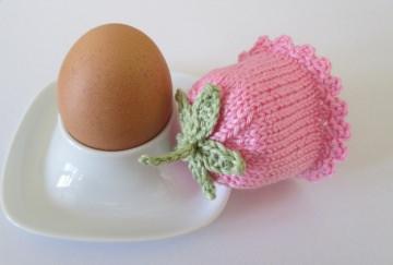 Eierwärmer Glockenblümchen aus Baumwollgarn gestrickt in rosa