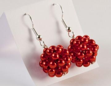 Ohrringe: Perlenkugel ~ rot - Handarbeit kaufen