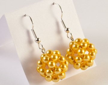 Ohrringe: Perlenkugel ~ gelb - Handarbeit kaufen