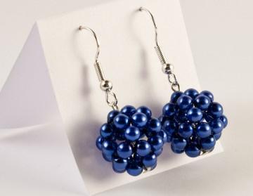 Ohrringe: Perlenkugel ~ Blau / Dunkelblau - Handarbeit kaufen