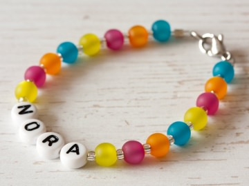 Namensarmband aus Polarisperlen: ~ Nora ~  - Handarbeit kaufen