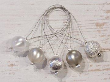 5 Maschenmarkierer aus gländenden Polarisperlen und Metallperlen ~ 10mm (2) - Handarbeit kaufen