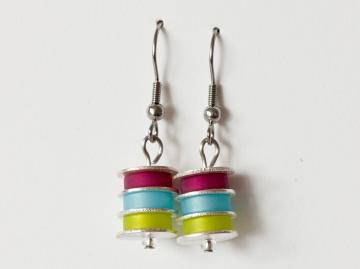 Scheibchenweise: Ohrringe aus Polarisperlen in Himbeerrot (Pink), Hellblau und Hellgrün - Handarbeit kaufen