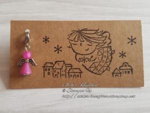 Charm / Anhänger: Engel aus Polarisperlen ~ Fuchsia (Pink) - Handarbeit kaufen