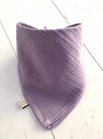 Diese tollen Halstücher/ Dreieckstücher aus pflegeleichtem BW- Musselin werden am Hals einfach per Druckknopf geschlossen. Sie sind ein echter Higucker.