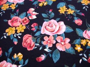 Baumwolljersey Digitaldruck Blumen Rosen Natur auf dunkelblau