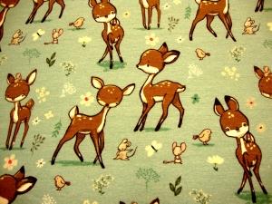 Sweatdruck French Terry Bambi junges Reh Rehkitz auf Spielwiese mit Maus, Schmetterling, Blumen, Vogel auf hellem mintgrau - Handarbeit kaufen
