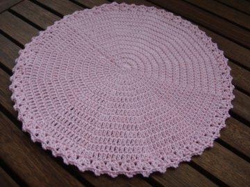 Deckchen in zartem Rosa, 100% Baumwolle, gehäkelt