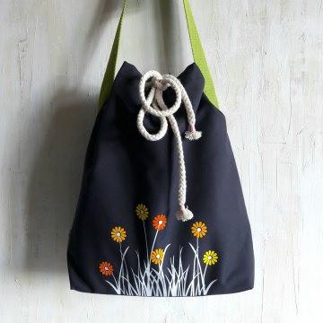 GÄNSEBLÜMCHEN - Umhängetasche mit Blumenwiese