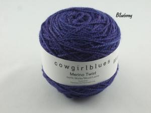 Handgefärbte Merino Twist Solid Blueberry von Cowgirl Blues