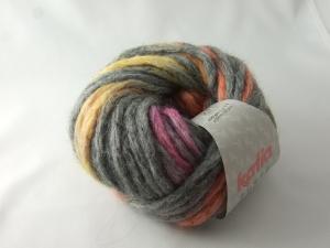 schöne gepunktete Wolle von Katia Punto Farbe 805 in grau mit gelben, orangen und rosa Punkten