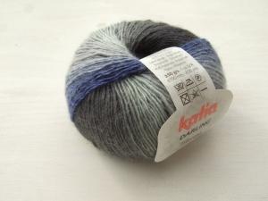 wunderschöne Verlaufswolle Darling von Katia in schwarz-weiß mit blau - Handarbeit kaufen
