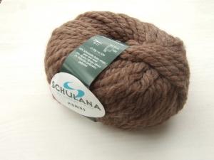schöne, dicke Wolle mit Alpakaanteil von Schulana Piumino Farbe 004 in schokobraun