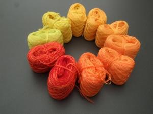 4-fädig gefachtes Farbverlaufsgarn (Bobbel) Wolke 7 Herbstlaub 1 Minibobbel 10x 60m Lauflänge - Handarbeit kaufen