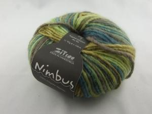 schöne Verlaufswolle von Atelier Zitron Nimbus in grün-braun meliert (Farbe 04)