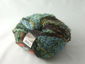 kuschelige Boucléwolle Trio Variata in grün und blau zum Stricken oder Häkeln - Handarbeit kaufen