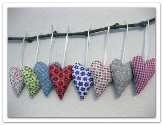 ~♥~ 8 Herzen - Stoffherzen ~♥~ Aufhänger  - Handarbeit kaufen