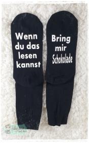 witzige Socken mit Spruch - Bring mir Schokolade  - Handarbeit kaufen