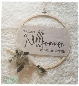 Stickrahmen / Türkranz ♥ Herzlich Willkommen bei ..... ♥  - Handarbeit kaufen