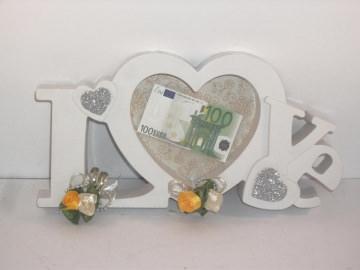 Geldgeschenk zur Hochzeit, Bilderrahmen LOVE, orange-creme - Handarbeit kaufen
