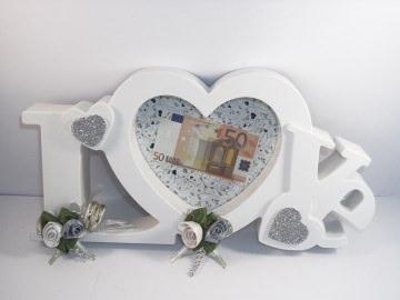 Geldgeschenk zur Hochzeit, Bilderrahmen LOVE, ganz edel in weiß-silber - Handarbeit kaufen