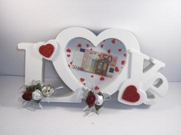 Geldgeschenk zur Hochzeit, Bilderrahmen LOVE, weiß-rot