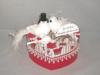 Geldgeschenk Hochzeit, Geschenkschachtel, Herzschachtel, romantisch, Geschenkbox , mit Tauben, Paris, Eiffelturm, Frankreich