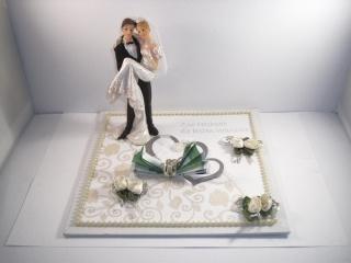 Geldgeschenk, Hochzeit, Brautpaar, Vermählung, Ehe, er trägt sie, auf Händen getragen - Handarbeit kaufen