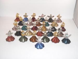 Geschenkanhänger,  4er-Überraschungs-Set, Christbaumanhänger, Engel aus Kaffeekapsel, verschiedene Farben, unifarbene Röckchen, Nespresso Engel