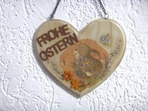 Türschild für Ostern, Wandschild, Osterdekoration, Holzschild, Holzherz, Herz, Hase, Osterhase, Serviettentechnik  - Handarbeit kaufen